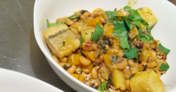 Curried Black Eyed Peas with Plantain